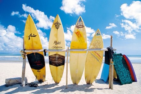 Surfen op de golven van de oceaan